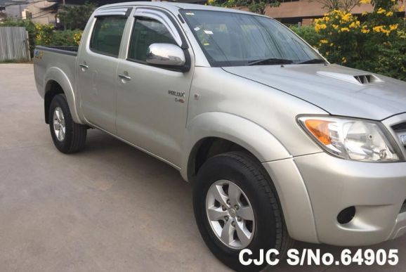 Hilux Vigo Pickup Truck 2.5 Double Cab E Package MT 4WD