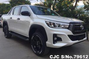Toyota Hilux Revo Rocco White Manual 2018 (4WD) 2.8L Diesel