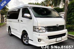 Toyota Ventury White Automatic 2.7L Petrol 2013