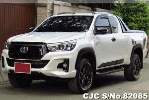 Toyota Hilux Revo White Manual 2018 2.8L Diesel