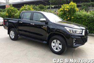 Toyota Hilux Revo Black Automatic 2017 2.8L Diesel