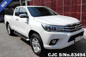 Toyota Hilux Revo White Manual 2017 2.4L Diesel