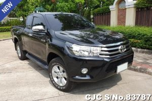 Toyota Hilux Revo Black Automatic 2015 2.4L Diesel