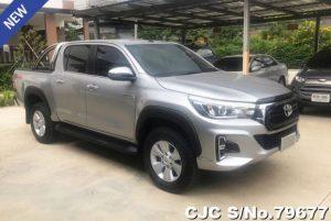 Toyota hilux revo silver